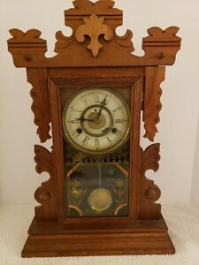 Antique 1870 NEW HAVEN Convertible Victorian Walnut Removable Crest Parlor Clock
