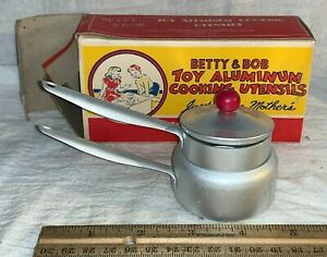 ANTIQUE BETTY BOB TOY ALUMINUM COOKING UTENSIL & BOX CHARLOTTE NC DOUBLE BOILER