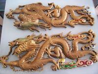 Deux plaques dragon. Asie