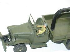 Dinky toys,soldat, 1 Conducteur métal peint pour camion GMC militaire