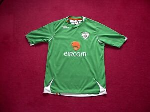 Umbro Republic Of Ireland (Eire) Home Football shirt/top/large boys