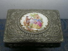 ANTIQUE VICTORIAN METAL JEWELERY BOX WITH HAND PAINTED PORCELAINE MEDAILLON.