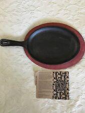 LODGE Cast Iron Fajitas Skillet Pan w/ Wooden Trivet Base & Recipes NEW