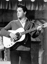 Elvis Presley 10 x 8 UNSIGNED photo - P577 - Love Me Tender & Suspicious Minds