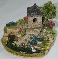Lilliput Lane Queen Alexandra's Nest L2281 complete with Deeds