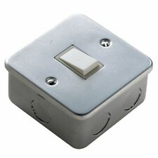 10amp 1 Gang 2 Way Metal Clad Switch with back box Ideal for Garage / Work Shop