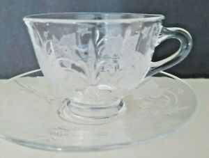 LOVELY HEISEY GLASS Plantation Ivy CUP AND SAUCER SET Pineapple