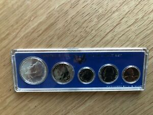 1966 US UNCIRCULATED SPECIAL MINT SET with 40 % SILVER KENNEDY HALF (A)