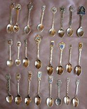 Collection 24 petites cuillères à café souvenir métal argenté chromé - Lot 15
