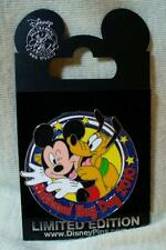 Disney Mickey Mouse Pluto National Hug Day 2010 LE Pin