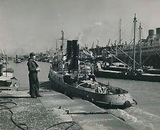 BUENOS AIRES c. 1950 - Marin Bateaux au Port  Argentine  - Div 7248