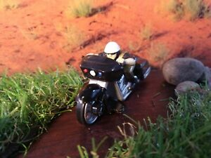 Hot Wheels - Police Motorcycle - Rock n Road Series