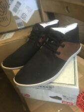 Super cool ladies lace up Black/tan casuals brand 'Creeks' nee
