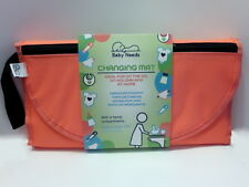 Wickelunterlage - Wickelauflage für Unterwegs in Orange - 60x31cm - Baby Needs