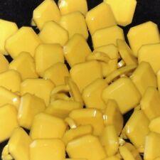 Mercerie lot de 5 Boutons plastique carré jaune 8mm button