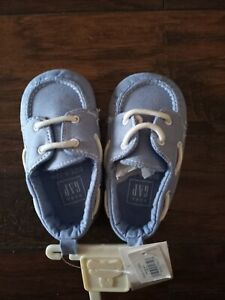 GAP BABY SHOES LIGTH BLUE Size 6-12 M