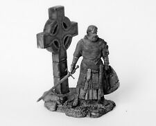 Tin toy soldier Medieval scottish knight. Metall sculpture 54 mm