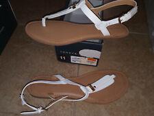 NEW $49 Womens Tommy Hilfiger Landmark Sandals, size 11  Medium          shoes
