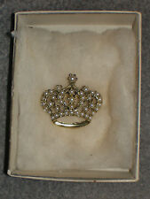 Royal Crown Vintage 1960s Beautiful Faux Pearl Pin in original box Goldtone