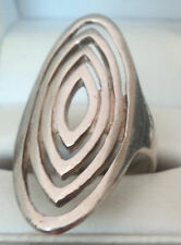 Attractive Modernist Sterling Silver Ring - hallmarked Sheffield 2007  -  Size O