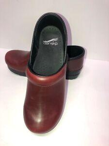 DANSKO CLOGS Leather Dark Red, Anti-Slip  Medical Professional Sz 8