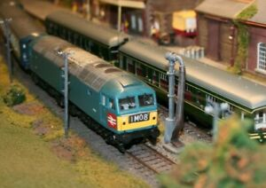 Heljan 4752 Class 47 Diesel loco D1733 XP64 Blue Experimental livery DCC fitted.