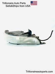 Genuine 2006-2011 CADILLAC DTS Left Side Fog Light OEM 25797625