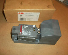 ABB Proximity Sensor SiN40-Q55U-T-AK   20-253VAC  NEW