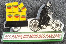 VINTAGE DES PATES OUI MAIS DES PANZANI FRENCH BADGE PIN.  UK DISPATCH.