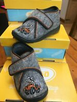 Befado-Kids Grey Soft Felt Slipper Crazy Ranger Design Non-Slip Velkro sz 22/5.5