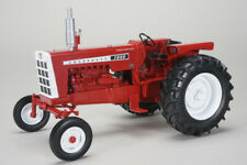 Cockshutt 1650 Wide Front Tractor 1:16 Model SPECCAST