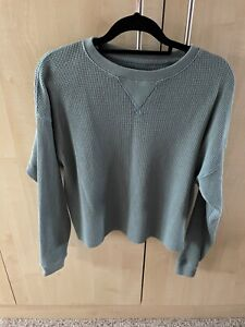 Ladies Medium Abercrombie & Fitch. T Shirt Long Sleeved.
