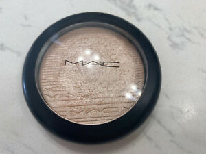 MAC DOUBLE GLEAM HIGHLIGHTER (USED)