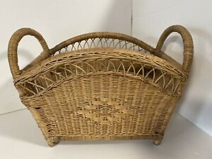 Wicker Newspaper   Magazine Rack Stylish, Very Strong And Detailed - Used