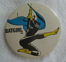 BAT GIRL Batman vintage 1970s DC COMICS RAINBOW DESIGNS tin pin BADGE