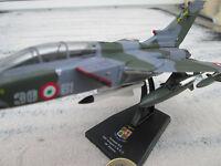 Panavia 200 (PA-200) Tornado MRCA Jagdbomber 1:100 Avion Fertigmodell  YAKAiR