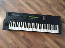 Yamaha EOS YS200 Frequency Modulation (FM) Synthesizer Made in Japan 1988