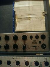 VINTAGE DYNA QUIK Model 550 Tube Tester & 610 Test Panel w/ Manuals WORKS