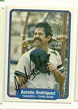 AURELIO RODRIGUEZ 1982 FLEER SIGNED # 53 YANKEES DECEASED
