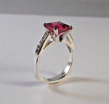 14 KT WHITE GOLD PRINCESS CUT RUBY  RING WITH ACCENT DIAMONDS  SIZE 7.5