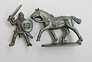 1/45 Mounted Viking Warrior Norman Knight Soft Plastic Toy Soldier 42 mm Figure