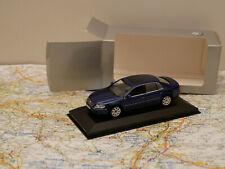 MINICHAMPS VW Phaeton ? DEALERS EDITION NEW ART. 820902102  1:43