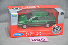 Poland Welly Polonez Caro Plus 1:34 Diecast Model Metallic Green Opening Doors