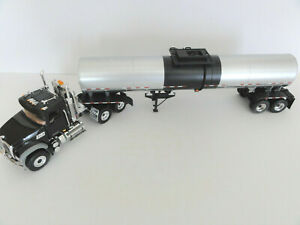 "FIRST GEAR 10-3952 MACK GRANITE MP w/ HOT PRODUCTS TANKER 1:34 ""NEW"""