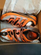 Pearl iZUMi Men's Octane III Road Cycling Shoe, Safety Orange/Black, 48 EU/13 D