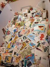 1000 timbres du monde grands formats. ( world stamps )