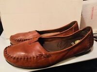 EARTH SPIRIT Women's Brown Leather Shoes Gelron 2000 Slip On Loafers *8.5 M*
