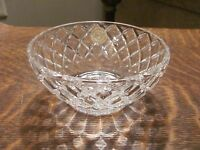 LENOX FULL LEAD CRYSTAL DIAMOND BOWL WITH CERTIFICATE OF AUTHENTICATION