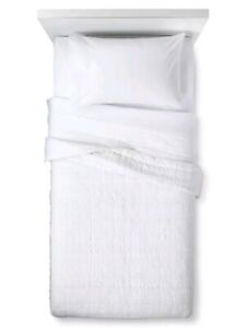 PILLOWFORT White Pleated Quilt ~ Full/Queen ~ Coverlet
