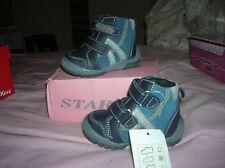 9567b5bfaf7a9 NEUVES chaussures montantes 19 bébé garçon val 100 euros faites vos lots